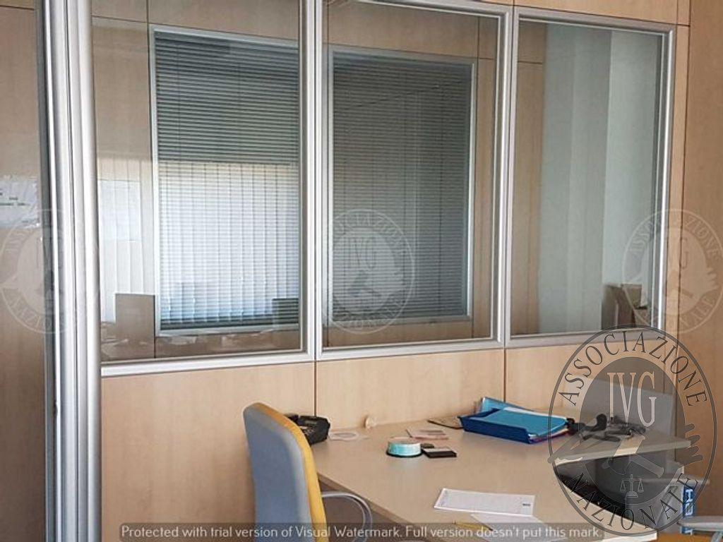 Plafoniera Ufficio Design : Lotto unico arredamento da ufficio pareti divisorie stampanti