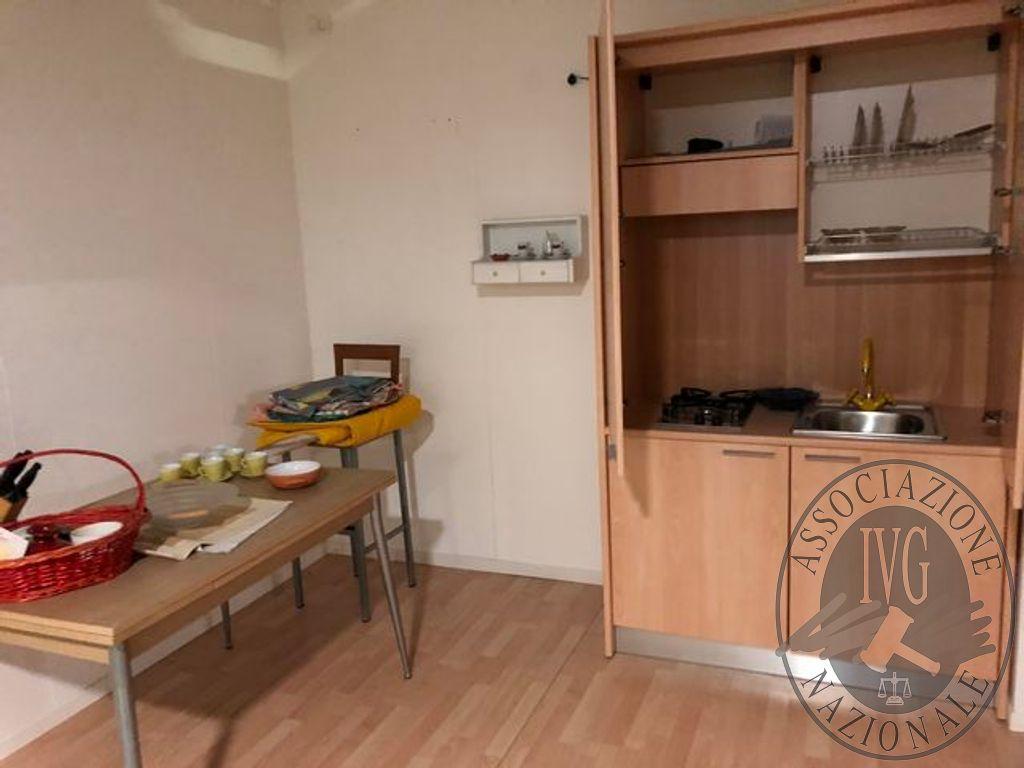 Mobile cucina con lavabo 2 fuochi rex cappa tavolo rettangolare
