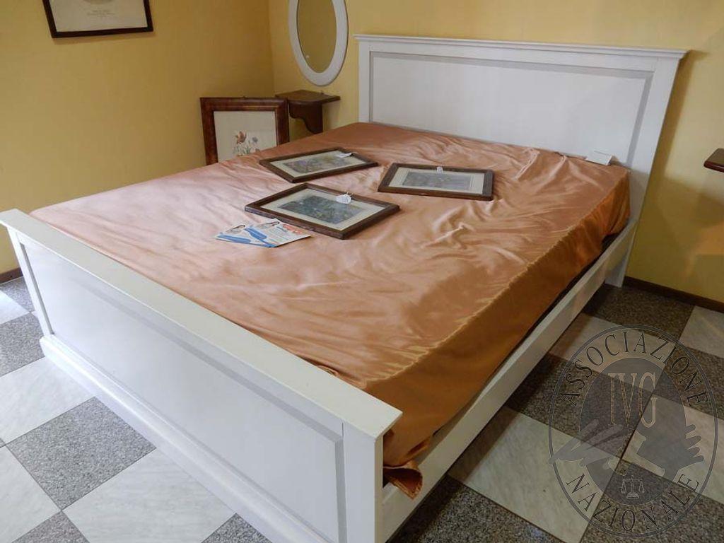 Base Letto Matrimoniale Legno : Rif. 2 letto matrimoniale in legno bianco decapato vendita online