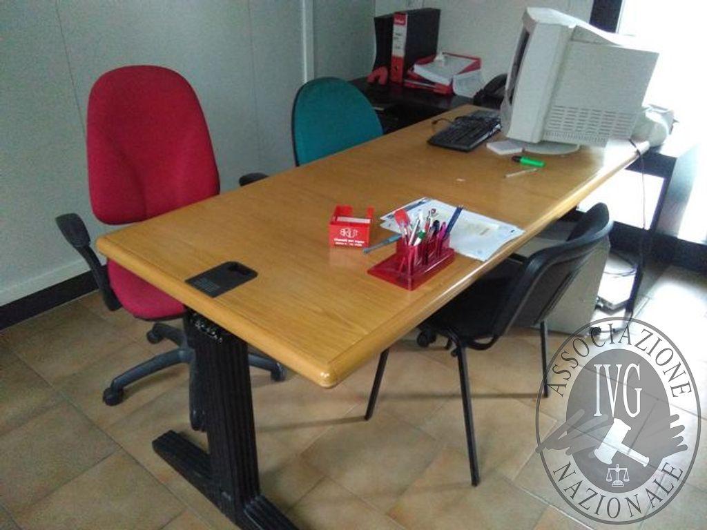 Ufficio tecnico n scrivanie rettangolari in legno n tavoli