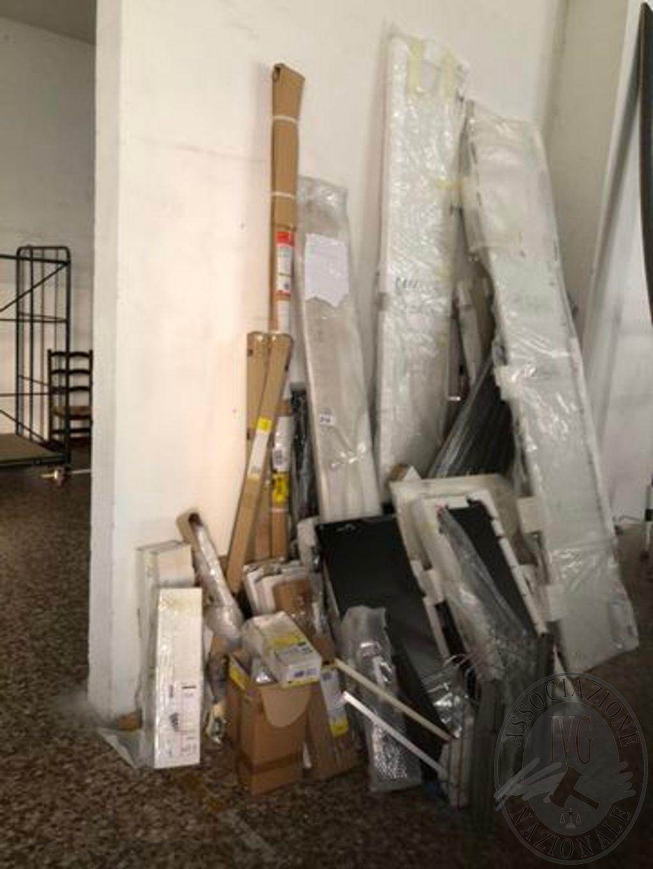 Parti di mobilio e accessori per arredamento , quale risulta di ...