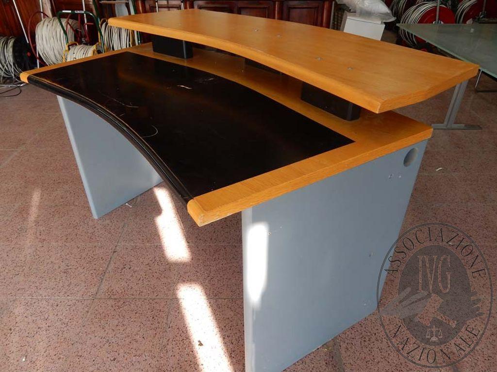 Tavolo Di Ufficio : Tavolo ufficio a doppia alzata gara di vendita febbraio