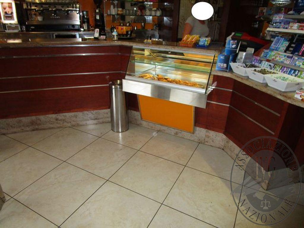 Ripiani In Legno Massello : Bancone componibile a n.3 pezzi con lavello e frigorifero ed