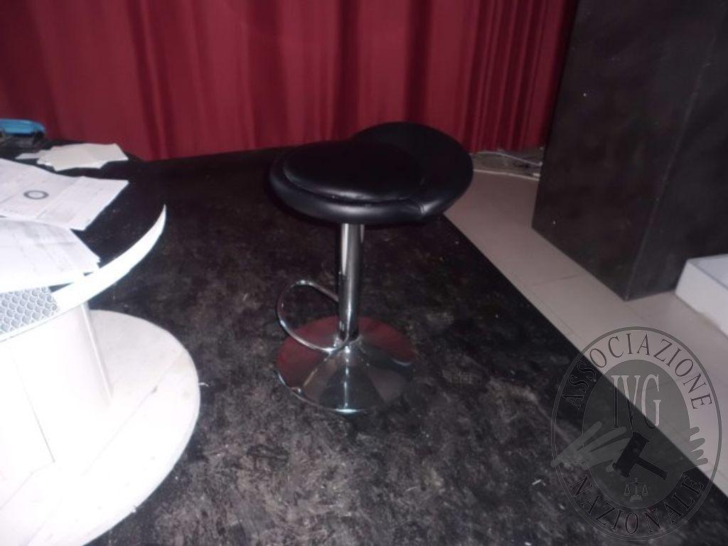 N sedie n tavolini n tavolinetti n sgabelli