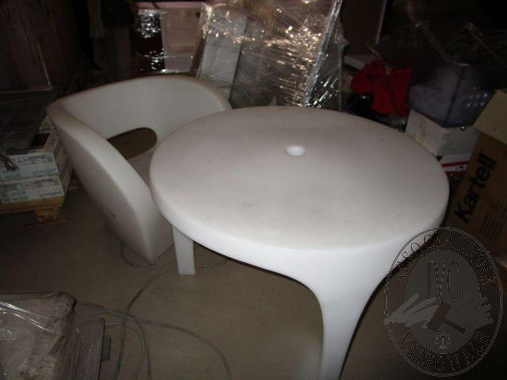 Tavolo tondo prunelle coperti mdf e cromo bianco tavoli