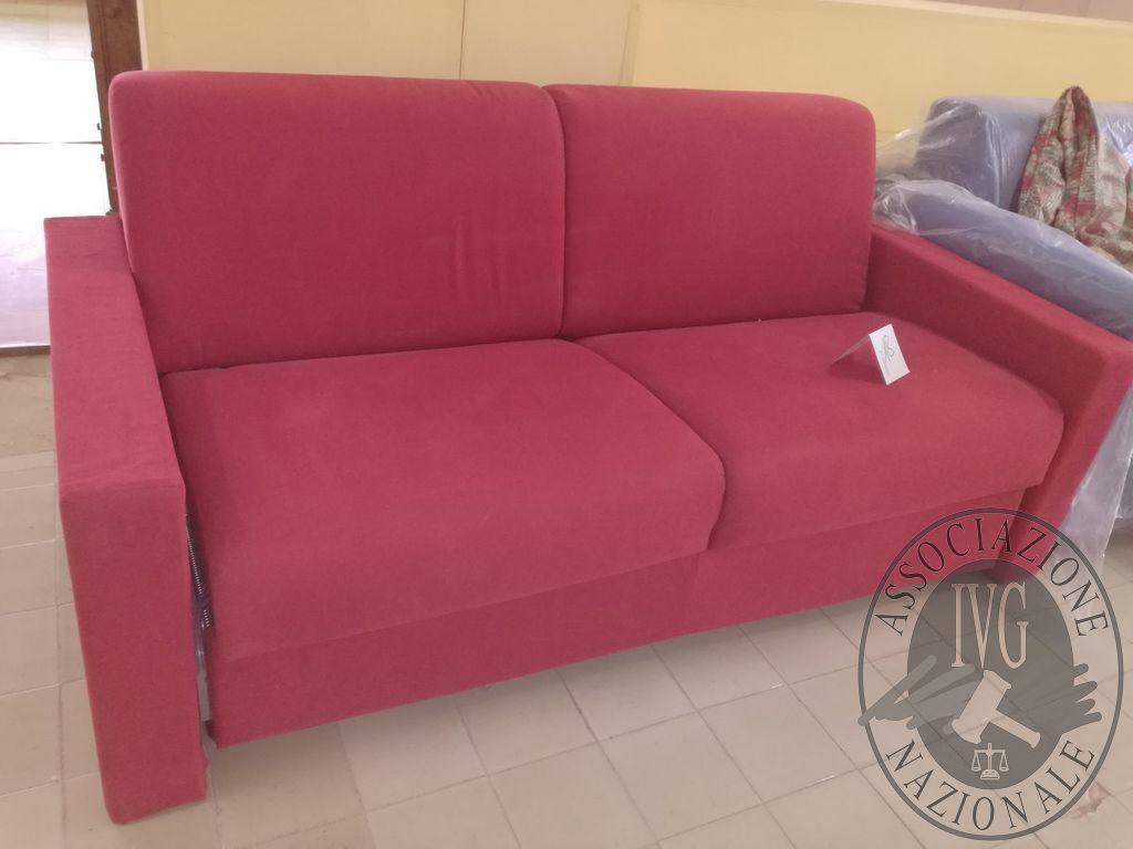 Rif. 18) Divano letto in tessuto rosso VENDITA ONLINE