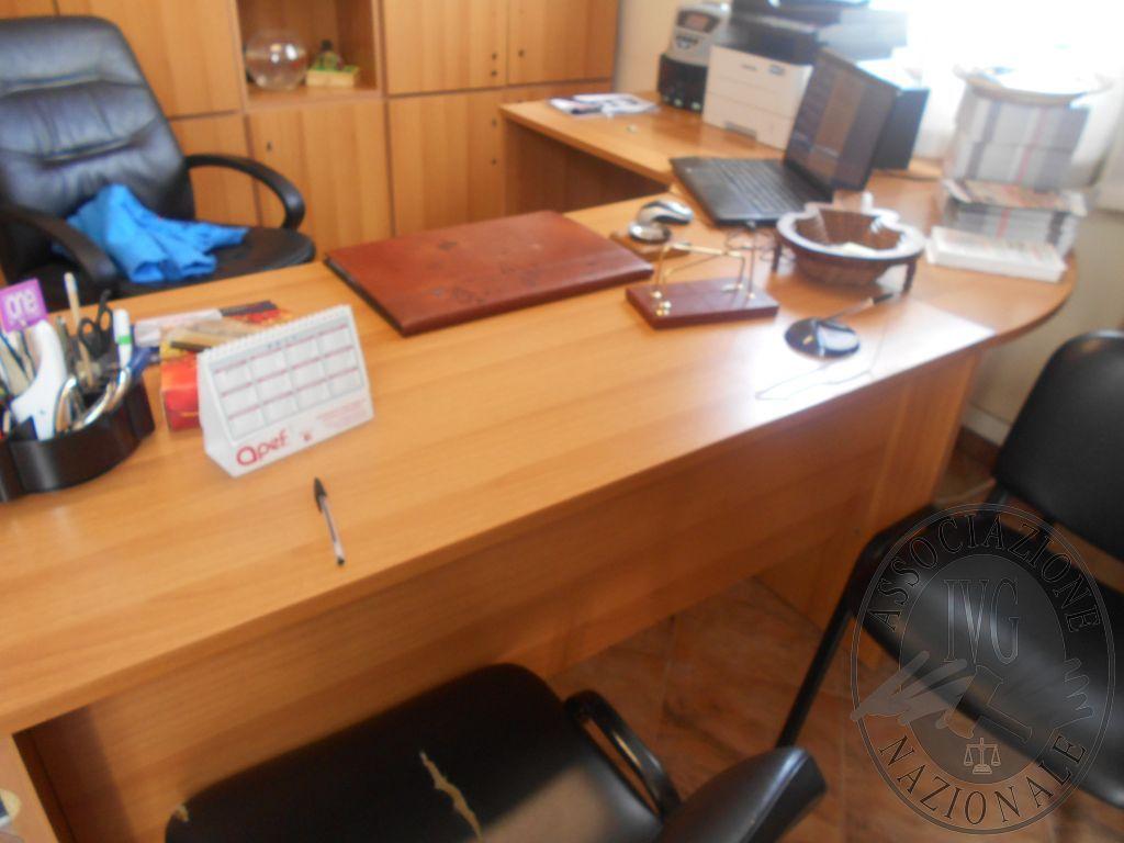 Sedie da ufficio napoli qu nalità divani per ufficio economici