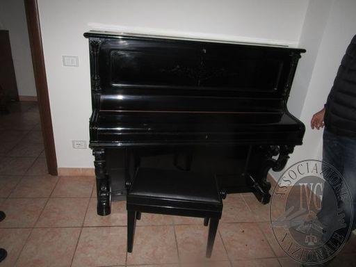 PIANOFORTE VERTICALE C. OTTO BERLIN CON SGABELLO