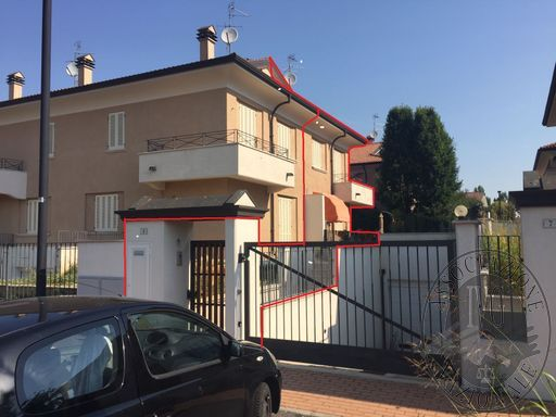 Lotto 13_LOCATO appartamento mq 84,00 con soffitta, cantina, autorimessa, balcone e giardino, sito in Via Bazzani Borgo Virgilio (MN).