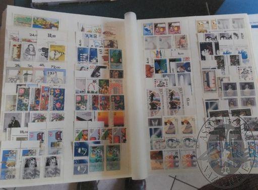 Francobolli da collezione: Repubblica democratica tedesca (lotto 126) due raccoglitori con oltre 1.000 francobolli nuovi