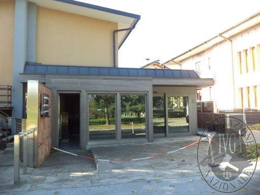 LOTTO A: negozio con retro bottega in Sedico (BL)