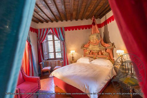 Paladino_Room_(deluxe)_-_papal_villa_-2.jpg