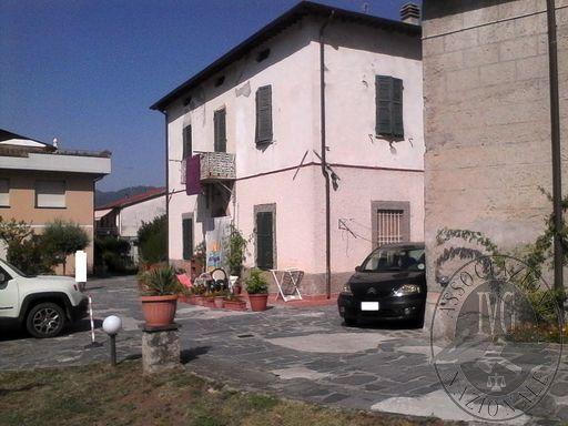 ES. 221/2014: CIVILE ABITAZIONE SITUATA NEL COMUNE DI BARGA (LU), PIAZZA SAN ROCCO, 5.