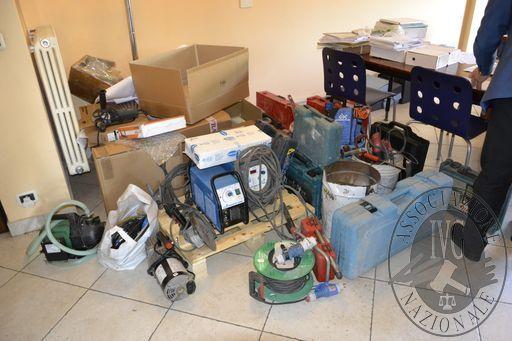 TRIBUNALE DI TORINO - FALL.  N°124/2018 - Attrezzature per l'installazione di impianti di condizionamento nonchè arredi ufficio