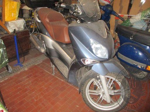 LOTTO 2 - MOTOCICLO YAMAHA XCITY