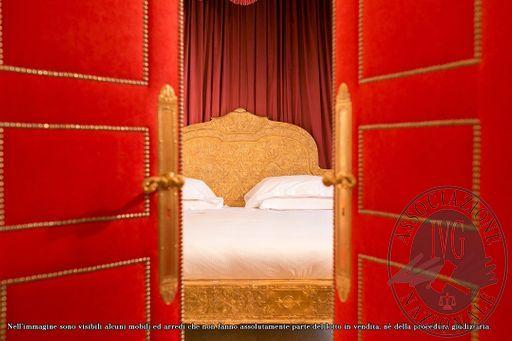 Suite_Maria_Carolina_-_papal_villa_-_2.jpg