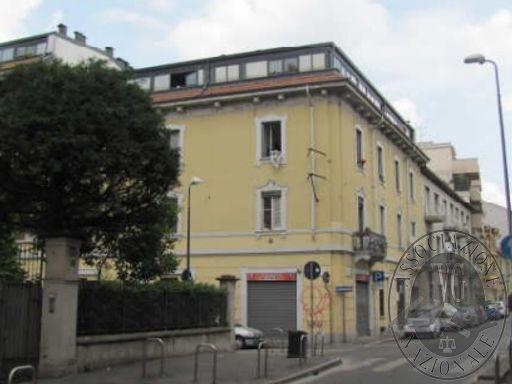 RGE 3828/11 - MILANO - Via Brusuglio 66 - Vari Lotti