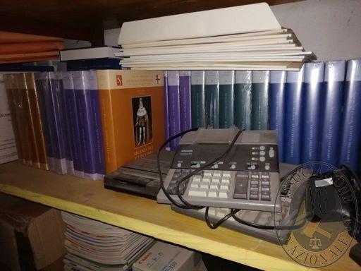 RIF. 004-005-006-007: N. 4 CALCOLATRICI OLIVETTI+1 CASSETTA RECORDER PHILIPS+ARMADIO IN FERRO 2X2X0,45+COMPUTERS E ATTREZZATURA ELETTRONICA OBSOLETA