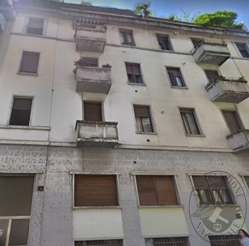 RGE 2719/13 - MILANO - Via Curio Dentato 5