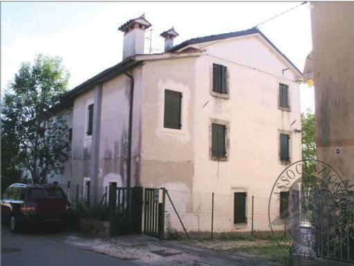 Lotto unico: abitazione a Vittorio Veneto (TV)