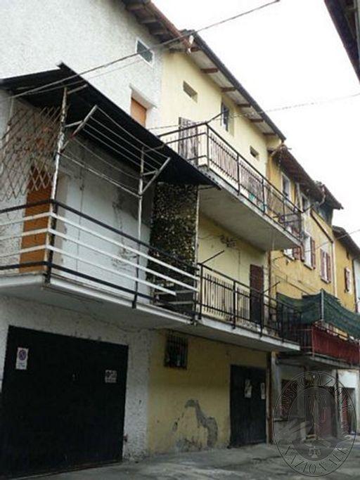 Abitazione dislocata su quattro livelli da terra a tetto in Scandiano (RE)
