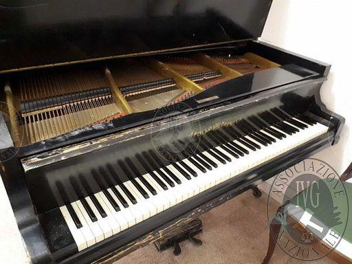 Pianoforte a coda APOLLO DRESDEN, funzionante.