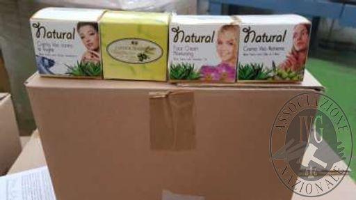 """n.3500 confezioni di crema viso idratante """"L'antica tradizione"""" Natural. (n.2 bancali)"""