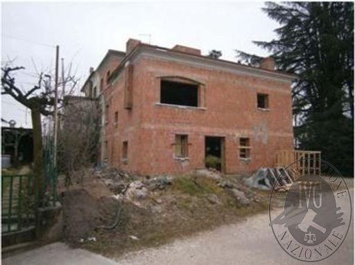 Fabbricato al grezzo in San Pietro di Feletto (TV)