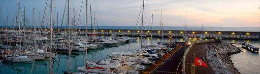 Screenshot_2019-06-14 Porto - Marina Cala de' Medici.png