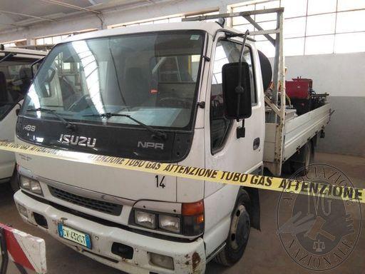 Autocarro Isuzu targato CV432GT, Immatricolato il 07/03/2005, alimentato a gasolio cilindrata 2999, provvisto di libretto di circolazione e del cdp, provvisto di chiavi, km rilevati 178026