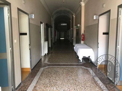 CORRIDOIO DEGENZA primo piano.JPG