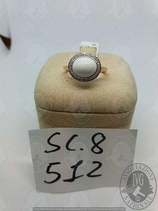 LOTTO 512 - ANELLO GIADA BIANCA GR. 4,7 CON DIAMANTI CT. 0,10 CIRCA G VS