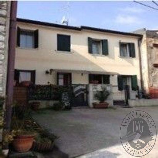 Lotto unico: appartamento in Valdobbiadene (TV)