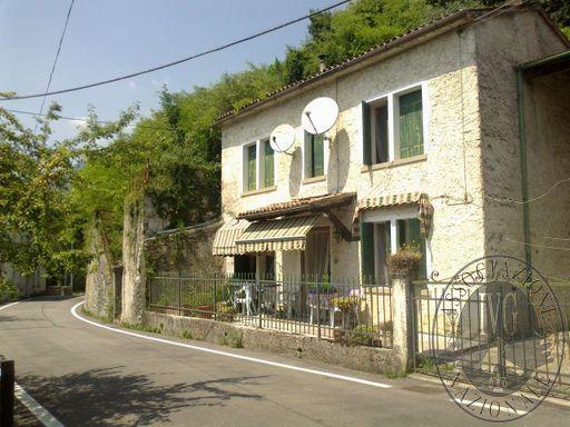 LOTTO UNICO: Appartamento in Segusino (TV)