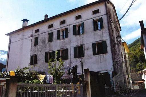 Lotto Unico: Fabbricato residenziale in Farra d'Alpago