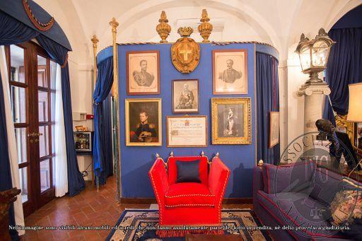 Suite_Duke_of_Genoa_-_papal_villa_-_4.jpg