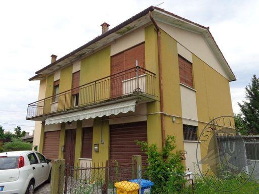 Lotto unico: porzione di casa in Spresiano (TV)