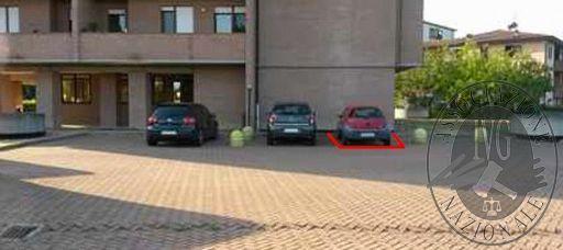 Posto auto scoperto in Reggio Emilia (RE)