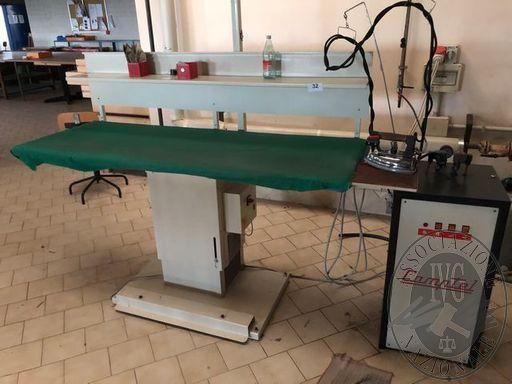 Lotto n.0032 Tavolo da stiro, completo di ferro da stiro e caldaia marca Camptel, mod. 520, matricola 1609, anno 1995