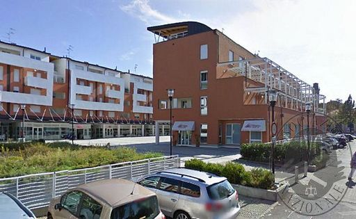 Appartamento posto al piano primo con cantina e autorimessa in Correggio (RE)