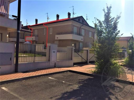 Lotto 19_ appartamento mq 98,00, con soffitta, cantina, autorimessa, balcone e giardino, sito in Via Bazzani, Borgo Virgilio (MN).