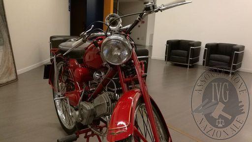 Motociclo Moto Guzzi 65 B
